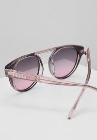 Puma - Sluneční brýle - grey/pink - 3