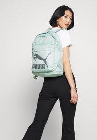 Puma - ORIGINALS BACKPACK - Reppu - mist green/castlerock - 1