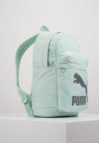 Puma - ORIGINALS BACKPACK - Reppu - mist green/castlerock - 3