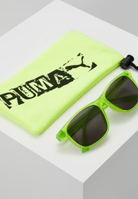 Puma - SUNGLASS KID INJECTION - Sluneční brýle - green - 3
