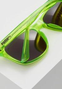Puma - SUNGLASS KID INJECTION - Sluneční brýle - green - 2