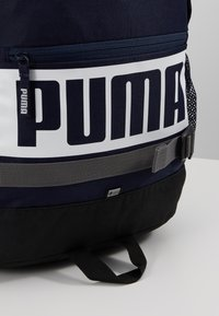 Puma - DECK BACKPACK - Reppu - peacoat - 7