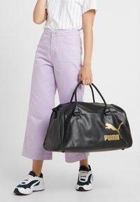 Puma - ORIGINALS GRIP BAG RETRO - Treningsbag - black - 5