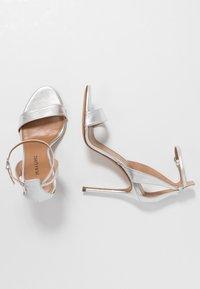 Pura Lopez - Sandaler med høye hæler - silver - 3