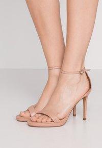 Pura Lopez - Sandály na vysokém podpatku - nude - 0