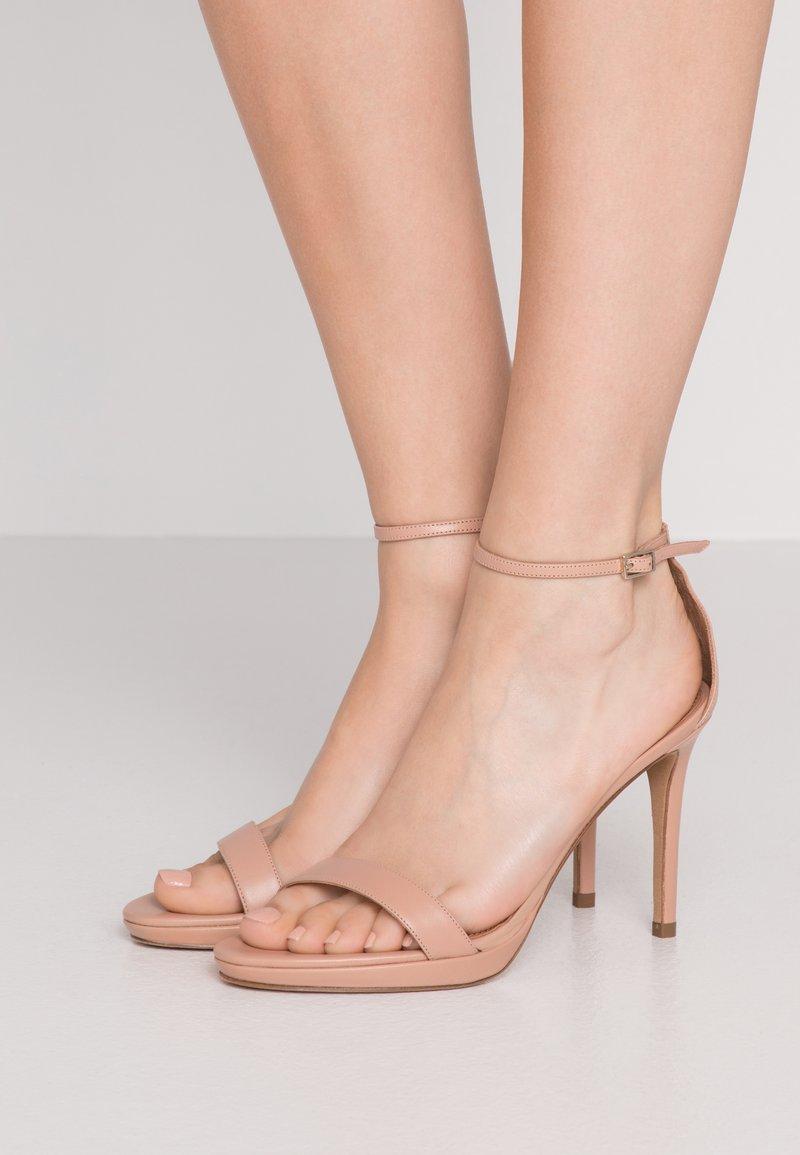 Pura Lopez - Sandály na vysokém podpatku - nude