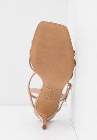 Pura Lopez - Sandalias de tacón - nude - 6
