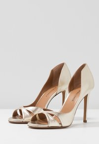 Pura Lopez - Peeptoe heels - platin - 4