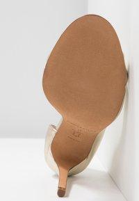 Pura Lopez - Peeptoe heels - platin - 6