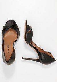 Pura Lopez - Højhælede peep-toes - black - 1