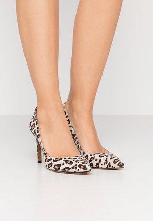Zapatos altos - miel