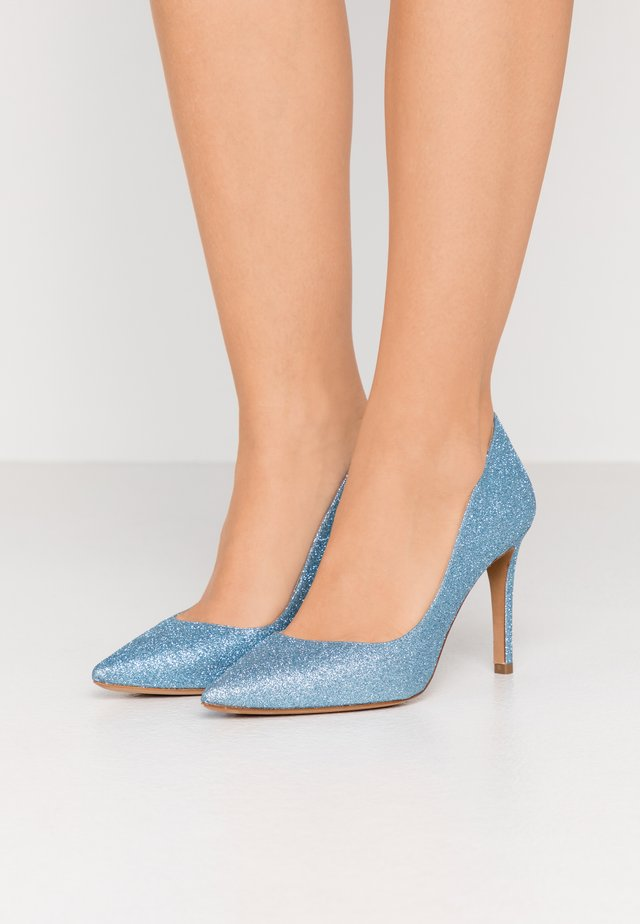 Klassiska pumps - glitter sky