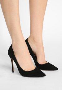 Pura Lopez - Zapatos altos - black - 0