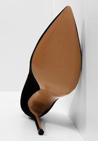 Pura Lopez - Zapatos altos - black - 5