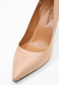 Pura Lopez - Zapatos altos - nude - 6