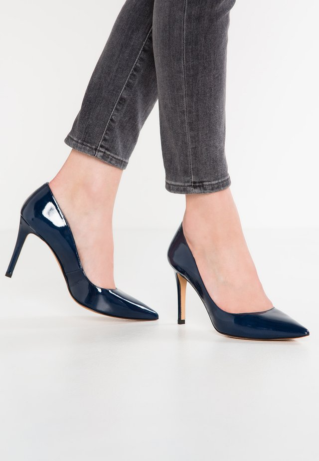 Klassiska pumps - navy