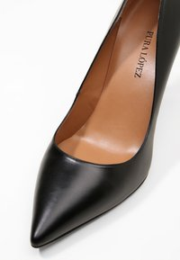 Pura Lopez - Zapatos altos - black - 6