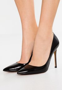 Pura Lopez - Zapatos altos - black - 0
