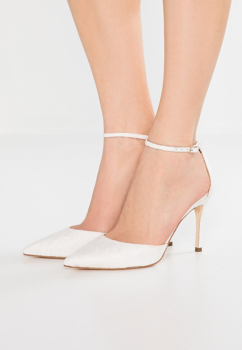 Pura Lopez - Klassiska pumps - bone