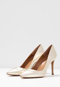 Pura Lopez - Zapatos altos - platin - 4