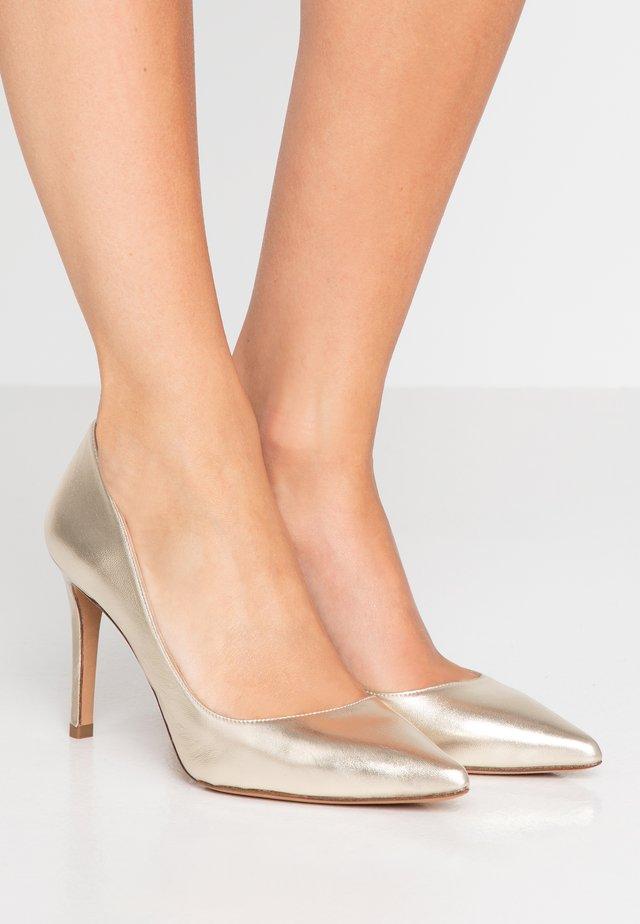 Zapatos altos - platin