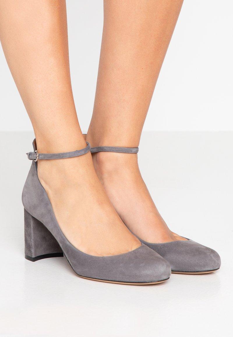 Pura Lopez - Czółenka - grey