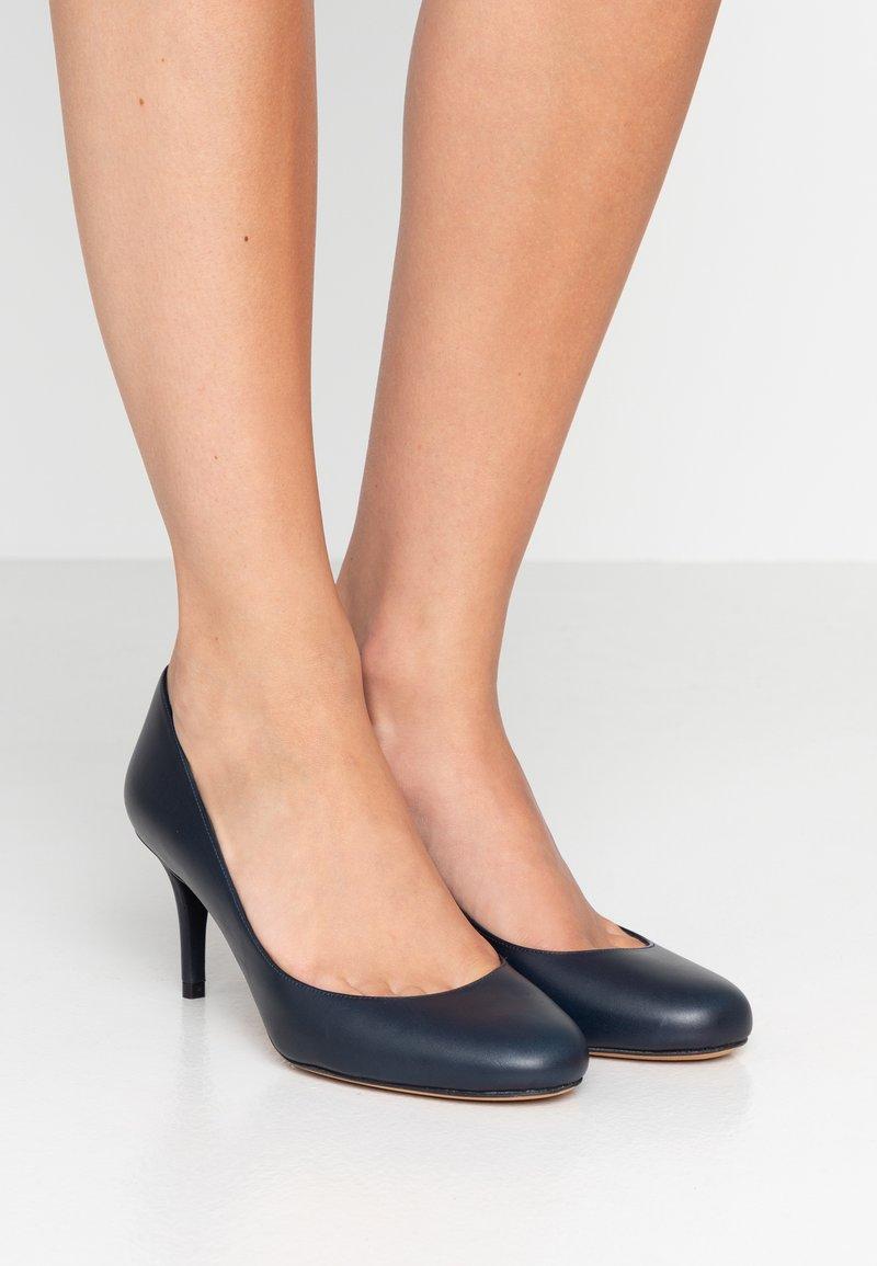 Pura Lopez - Classic heels - navy