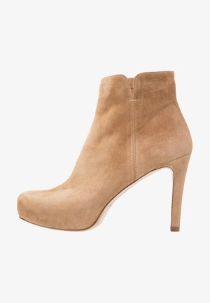 High heeled ankle boots - montone