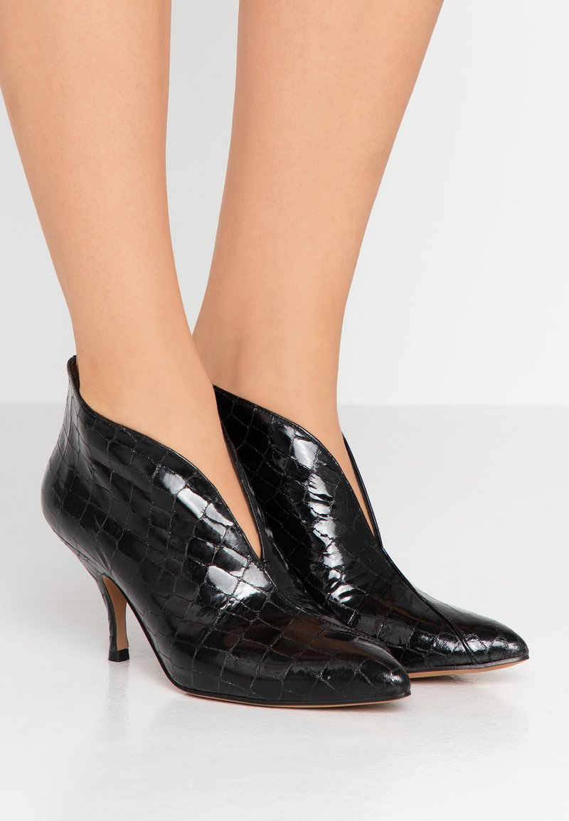 Pura Lopez - Ankle Boot - cocco black