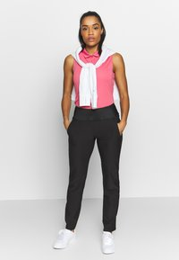 Puma Golf - PWRSHAPE PANT - Spodnie materiałowe - black - 1