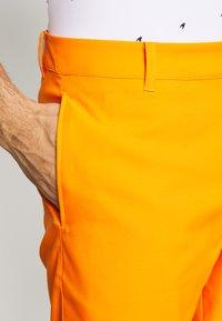 Puma Golf - JACKPOT - Korte sportsbukser - vibrant orange - 4