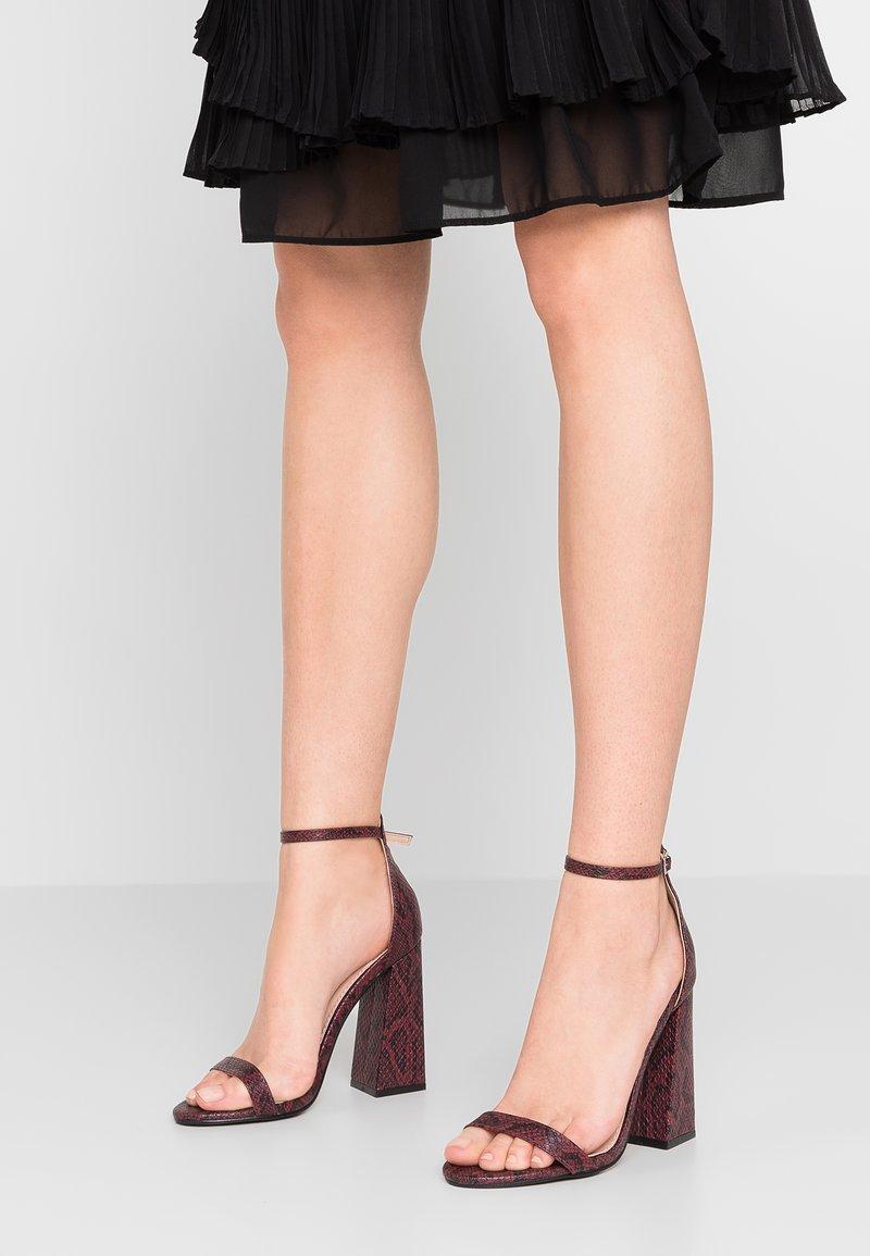 Public Desire - TESS - Højhælede sandaletter / Højhælede sandaler - burgundy