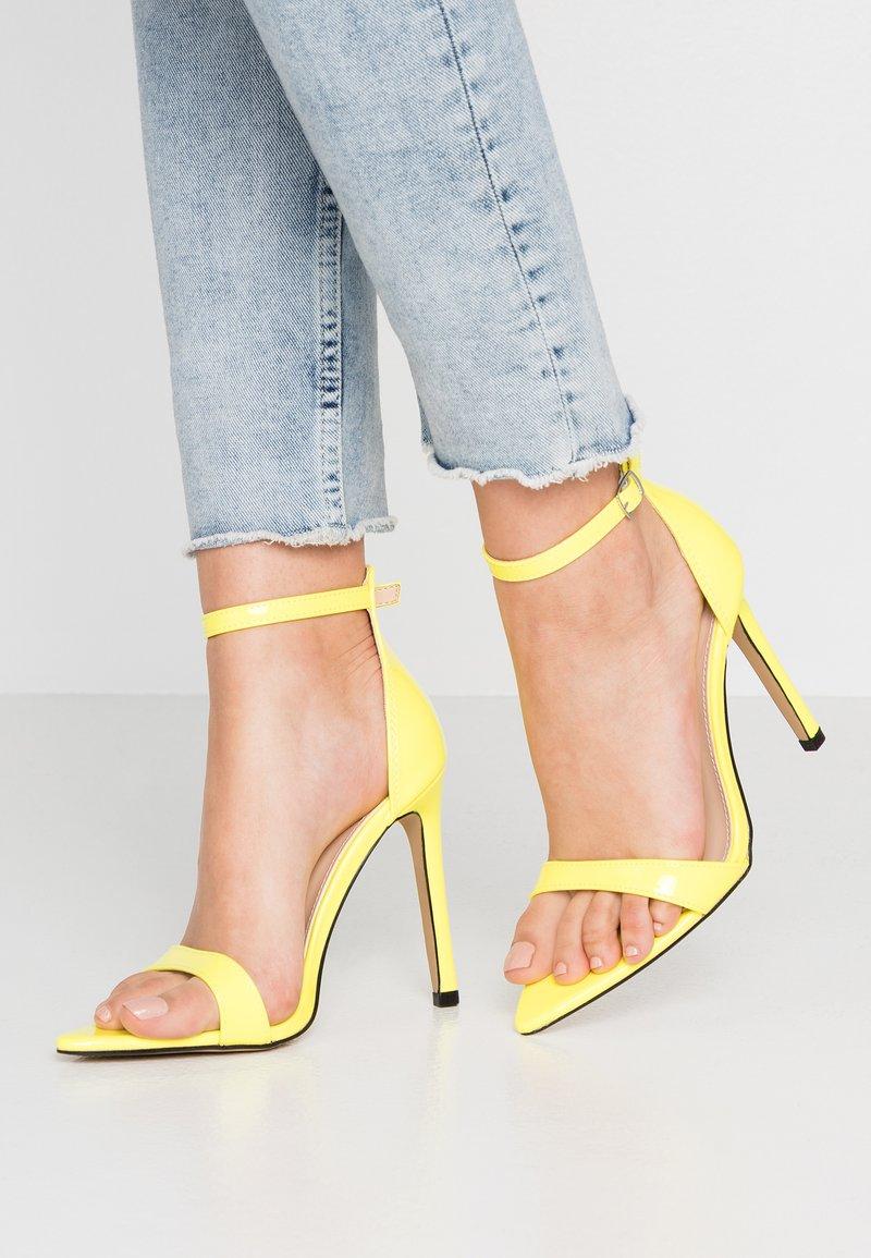 Public Desire - ACE - Sandály na vysokém podpatku - neon yellow