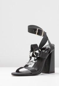Public Desire - KNOCKOUT - Sandály na vysokém podpatku - black - 4