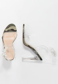 Public Desire - SLICE - Korolliset sandaalit - green - 3