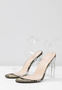 Public Desire - SLICE - Korolliset sandaalit - green - 5