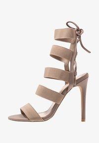 Public Desire - HARPER - Sandály na vysokém podpatku - taupe - 1
