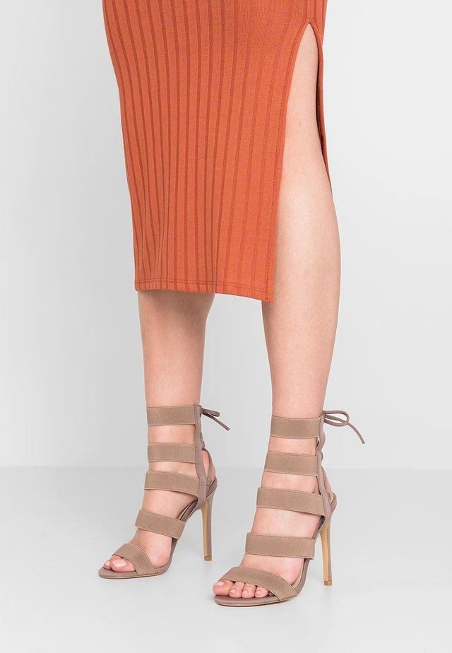 HARPER - Sandály na vysokém podpatku - taupe