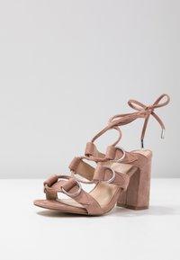 Public Desire - HOOKED - Sandály na vysokém podpatku - blush nude - 4