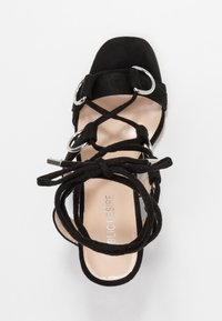 Public Desire - HOOKED - Sandály na vysokém podpatku - black - 3