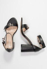 Public Desire - THUNDER - Sandales à talons hauts - black - 3