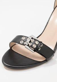 Public Desire - THUNDER - Sandales à talons hauts - black - 2