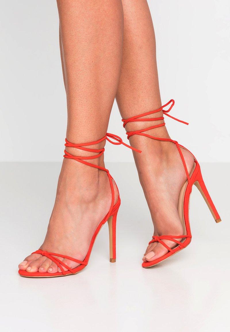 Public Desire - FLEUR - Højhælede sandaletter / Højhælede sandaler - red