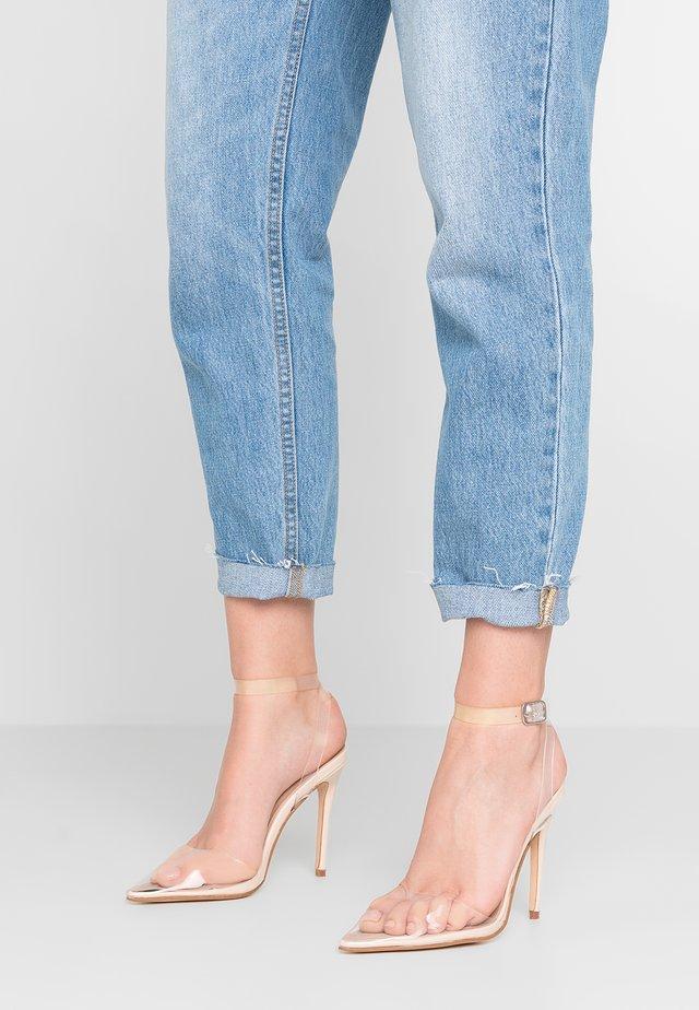 ERIN - Sandály na vysokém podpatku - nude/clear