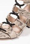 Public Desire - COBRA - Sandály na vysokém podpatku - natural