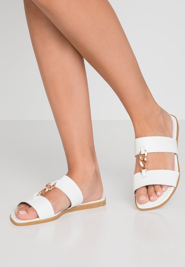 OLA - Mules - white/gold
