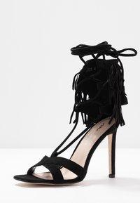 Public Desire - MONTANA - Korolliset sandaalit - black - 4