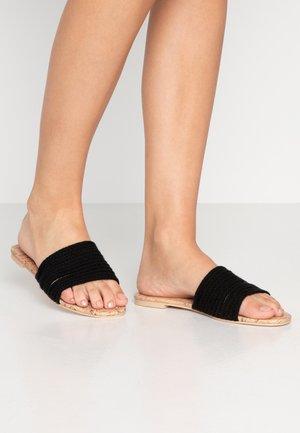 LANI - Pantolette flach - black