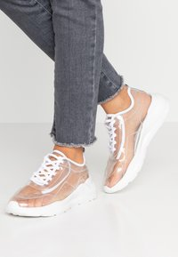 Public Desire - FRENZY - Joggesko - clear white - 0
