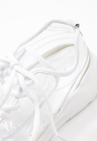 Public Desire - FRENZY - Joggesko - clear white - 2